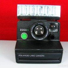 Cámara de fotos: POLAROID 2000 LAND CAMERA CON FLASH Y LAMPARAS INCORPORADAS NUEVAS . Lote 102823399