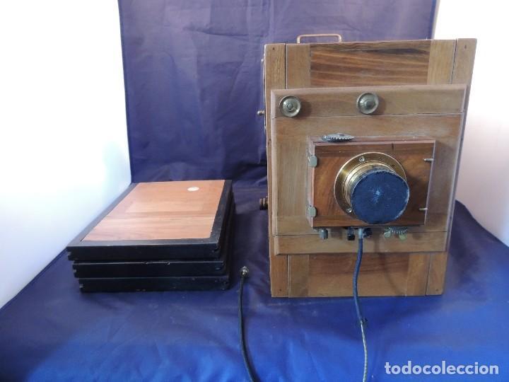Cámara de fotos: CAMARA DE FOTOS DE FUELLE Y CAJA NOGAL LUMINOR CIRCA 1910 - Foto 2 - 104720635