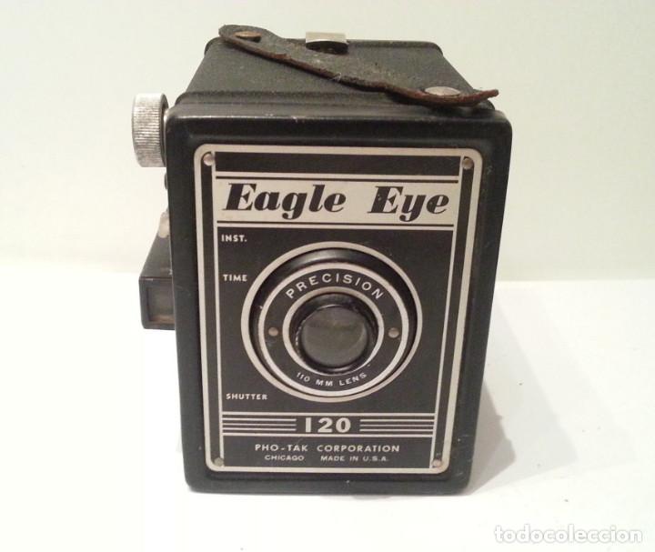 Cámara de fotos: ANTIGUA CÁMARA EAGLE EYE DE LA PHO-TAK CORPORATION DE CHICAGO DE 1950. NÚMERO DE SERIE 1093 - Foto 9 - 104993619