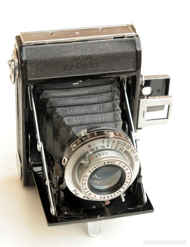 Cámara de fotos: *c1948* • Showa SEMI LEOTAX Reginon f3.5 obturador NKK • Formato medio folder 4,5x6 - Foto 2 - 105212147