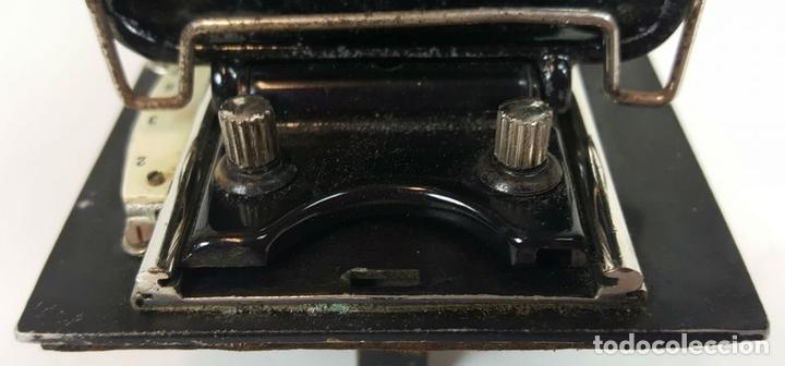 Cámara de fotos: CAMARA DE FUELLE ZEISS IKON ICARETTE. DRESDEN. ALEMANIA CIRCA 1925. - Foto 3 - 110181975