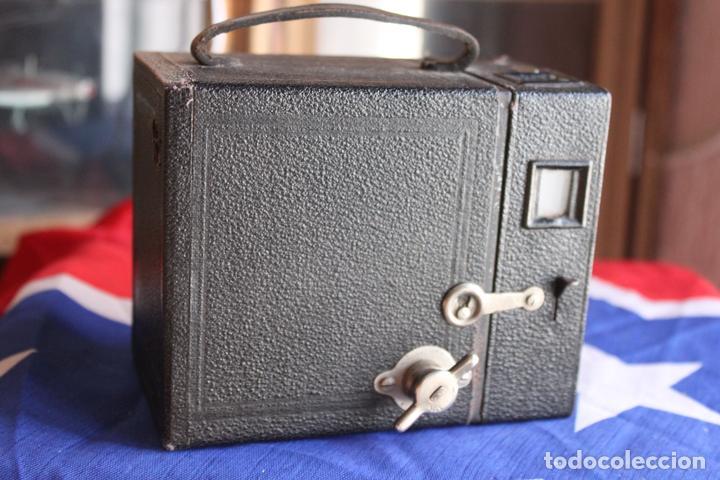 Cámara de fotos: BOX (KODAK?) 120 - Foto 2 - 110884575
