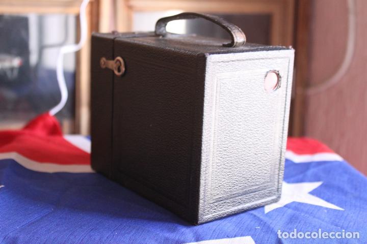 Cámara de fotos: BOX (KODAK?) 120 - Foto 3 - 110884575