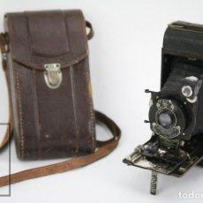 Cámara de fotos: ANTIGUA CÁMARA FOTOGRÁFICA DE FUELLE - POCKET KODAK NO. 1 - FUNDA ORIGINAL - EASTMAN KODAK, AÑOS 30. Lote 111569403