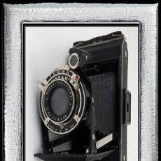 Cámara de fotos: ..ART DECO, CÁMARA ANTIGUA FUELLE..KODAK JUNIOR 620,..ALEMANIA III REICH(1937)... Lote 113214955