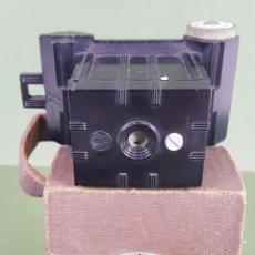 Cámara de fotos: CÁMARA DE FOTOGRAFÍA. UNIVEX. MODELO A. FUNDA ORIGINAL. ESTADOS UNIDOS. 1930. . Lote 117127427