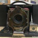 Cámara de fotos: KODAK FOLDING BROWNIE N°2 AÑO 1902. Lote 121577111