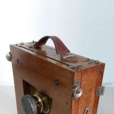 Cámara de fotos: CAMARA TROPICAL DE CAOBA. 1900. Lote 127224739