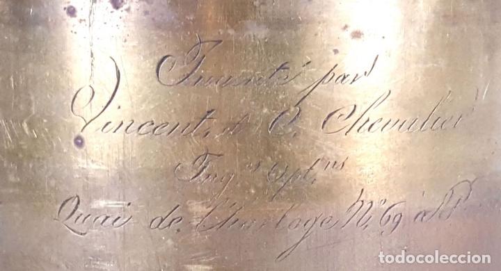 Cámara de fotos: CÁMARA OBSCURA. INVENTÉ PAR VINCENT CHEVALIER. ING.R. OPT. PARIS. 1825. - Foto 2 - 127624803