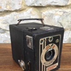 Cámara de fotos: CÁMARA ANTIGUA ALLIANCE CORONET. Lote 128294259
