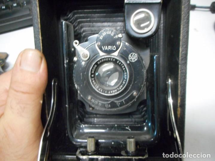 Cámara de fotos: antigua camara de fotos de fuelle vario con portafotografias - Foto 7 - 130602830