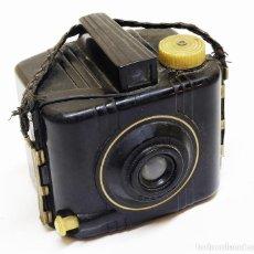 Cámara de fotos: 1940 RARA CÁMARA ANTIGUA KODAK BROWNIE SPECIAL CON VISOR ÓPTICO Y CORREA ORIGINAL. ART-DECÓ. Lote 131511570