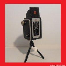 Cámara de fotos: IMPRESCINDIBLE BONITA BIFOCAL...KODAK DUAFLEX II.USA 1947. . Lote 136821430