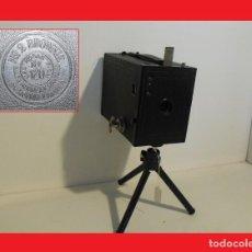Cámara de fotos: GRAN CÁMARA DE CAJÓN...KODAK BROWNIE Nº 2 MODEL F..INGLATERRA 1930. Lote 137144702