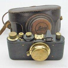 Cámara de fotos: RARA LEICA ESTANDAR EN NEGRO Y ORO. Lote 138824232