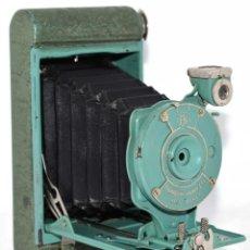 Cámara de fotos: PEQUEÑA JOYA EN COLOR VERDE..USA 1930..KODAK VEST POCKET RAINBOW HAWKEYE..MUY BUEN ESTADO..FUNCIONA. Lote 139083158