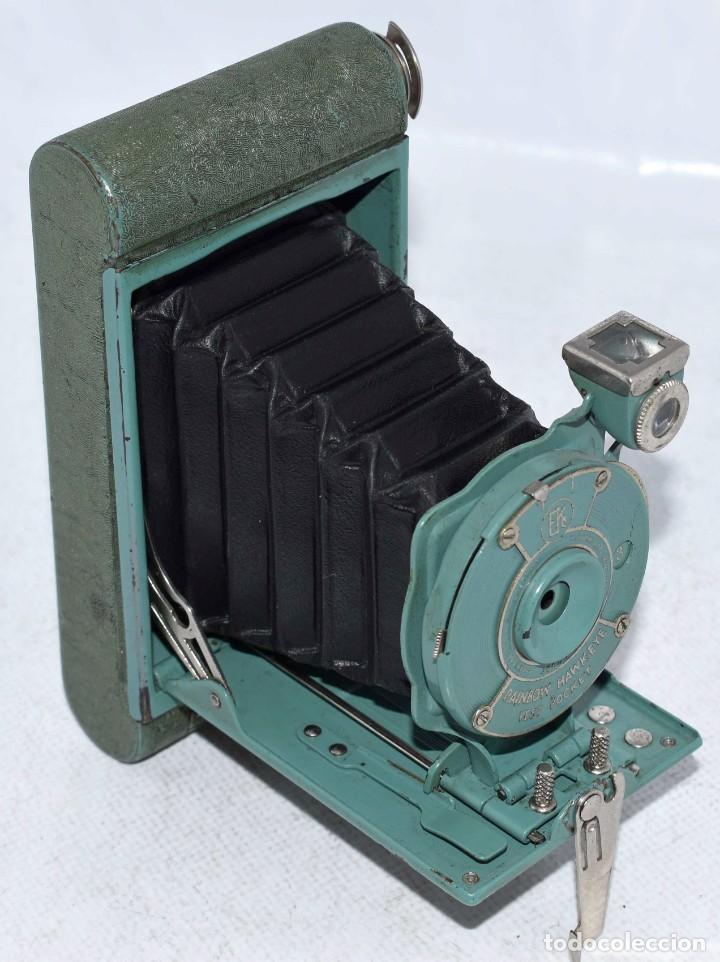 Cámara de fotos: PEQUEÑA JOYA EN COLOR VERDE..USA 1930..KODAK VEST POCKET RAINBOW HAWKEYE..MUY BUEN ESTADO..FUNCIONA - Foto 2 - 139083158