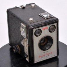 Cámara de fotos: BROWNIE FLASH III. Lote 139611174
