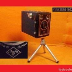 Cámara de fotos: CÁMARA ART DECÓ DE CAJÓN O REPORTERO ALEMANA 1951..AGFA SYNCHRO BOX. .. Lote 111426271