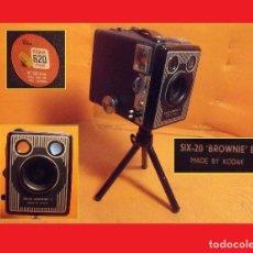 Cámara de fotos: RARA CÁMARA FOTOGRÁFICA DE CAJÓN O REPORTERO (SIX-20 ¡BROWNIE! E) - REINO UNIDO 1947. Lote 111439963