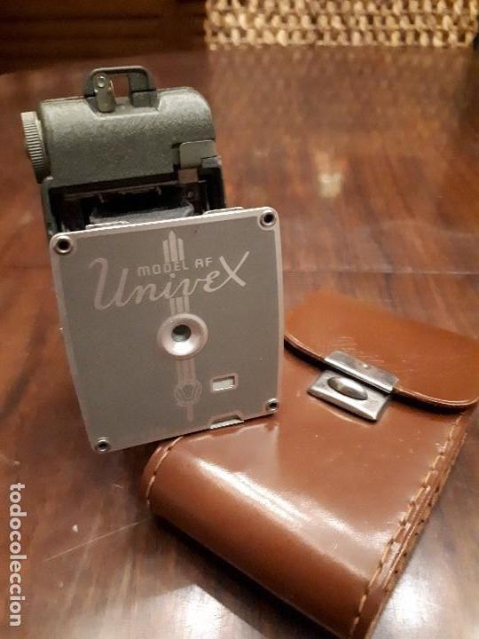 Cámara de fotos: Antigua Maquina Fotografiar Univex Model AF. Plegable. Made in USA. Funda cuero original. De 1930s - Foto 3 - 139720354