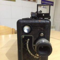 Cámara de fotos: CINE KODAK MODELO B DE 1926. Lote 139730378