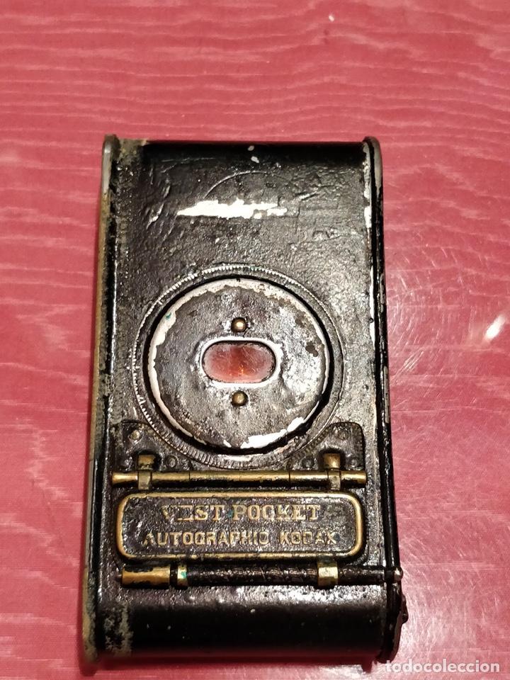 CÁMARA DE FUELLE EASMAN KODAK 25 BT 50 DE 1910 CON FUNDA DE CUERO MARRÓN (Cámaras Fotográficas - Antiguas (hasta 1950))