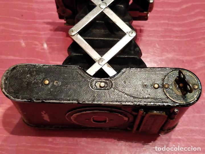 Cámara de fotos: Cámara de fuelle Easman Kodak 25 BT 50 de 1910 con funda de cuero marrón - Foto 9 - 141867838