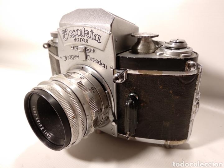 ANTIGUA CÁMARA FOTOGRÁFICA EXAKTA VAREX. OBJETIVO CARL ZEISS TESSAR 2,8/50 (Cámaras Fotográficas - Antiguas (hasta 1950))