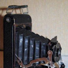 Cámara de fotos: ANTIGUA CÁMARA FOTOGRÁFICA KODAK DE FUELLE. Lote 156000760