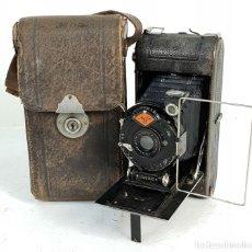 Cámara de fotos: CÁMARA FOTOGRÁFICA DE FUELLE. AGFA ANASTIGMAT STANDARD. FUNDA ORIGINAL. 1930.. Lote 143238638