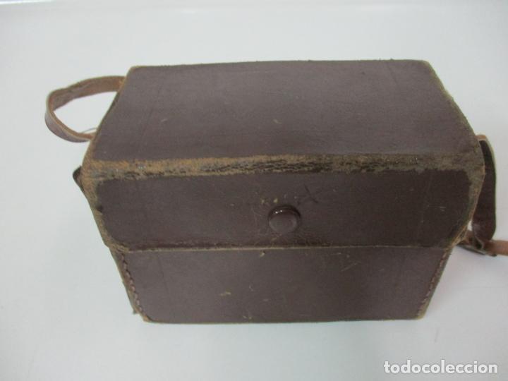 Cámara de fotos: Antigua Cámara Capta, Modelo 2 - Baquelita con Funda Original - Fabricada en Valencia - Foto 11 - 143358702