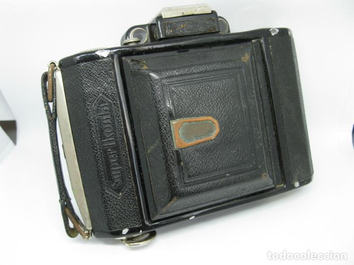 Cámara de fotos: Zeiss Super Ikonta de hacia 1935 - Foto 2 - 146884134