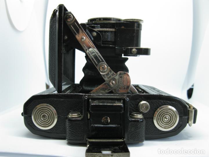 Cámara de fotos: Zeiss Super Ikonta de hacia 1935 - Foto 8 - 146884134