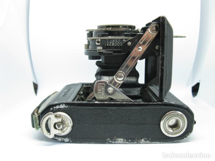 Cámara de fotos: Zeiss Super Ikonta de hacia 1935 - Foto 12 - 146884134