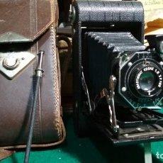 Cámara de fotos: KODAK JUNIO SIX 20 SERIES II EN BUEN ESTADO CON FUNDA Y DISPARADOR ORIGINAL VER FOTOS. Lote 147526422