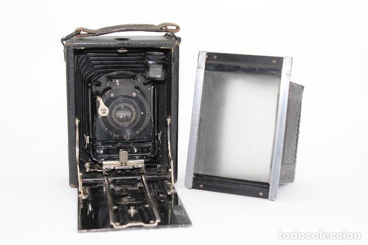 Cámara de fotos: Cámara Clásica: Ernemann HEAG I.Cámara de madera. Placas 6.5x9 cm. Alemania c1909-1926. - Foto 3 - 150146278