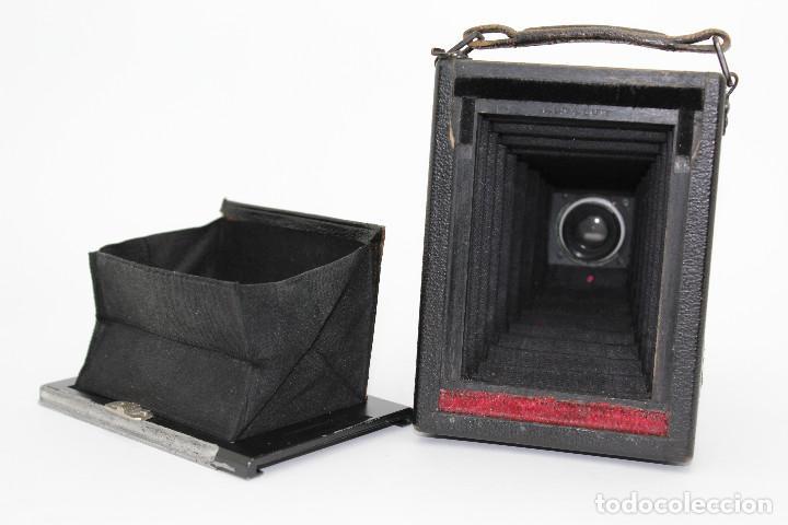 Cámara de fotos: Cámara Clásica: Ernemann HEAG I.Cámara de madera. Placas 6.5x9 cm. Alemania c1909-1926. - Foto 10 - 150146278