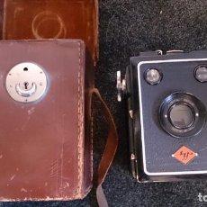 Cámara de fotos: CAMARA AGFA BOX 64 SPEZIAL DE 1931 CON CAJA DE CUERO ORIGINAL.. Lote 152335058