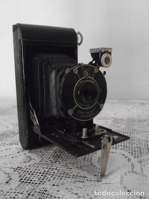 Cámara de fotos: Antigua cámara fotográfica de fotos de fuelle plegable Kodak modelo Vest Pocket americana año 1927 - Foto 2 - 152641750