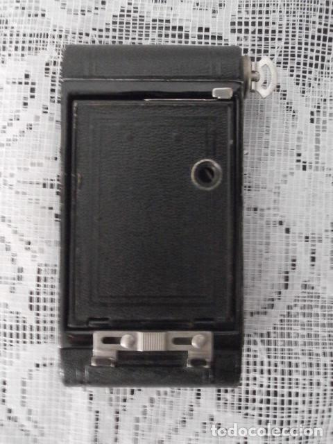 Cámara de fotos: Antigua cámara fotográfica de fotos de fuelle plegable Kodak modelo Vest Pocket americana año 1927 - Foto 5 - 152641750