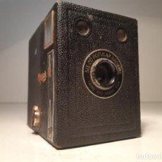 Cámara de fotos: KODAK SIX-20 POPULAR BROWNIE, REINO UNIDO, AÑOS 30-40. Lote 153302978