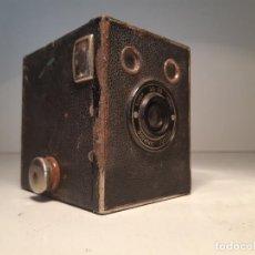 Cámara de fotos: KODAK BROWNIE JUNIOR SUPER SIX-20, AÑOS 1.935-1.940. Lote 153306778