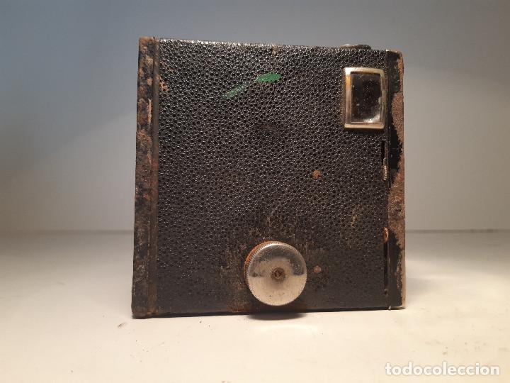 Cámara de fotos: Kodak Brownie Junior Super Six-20, años 1.935-1.940 - Foto 2 - 153306778