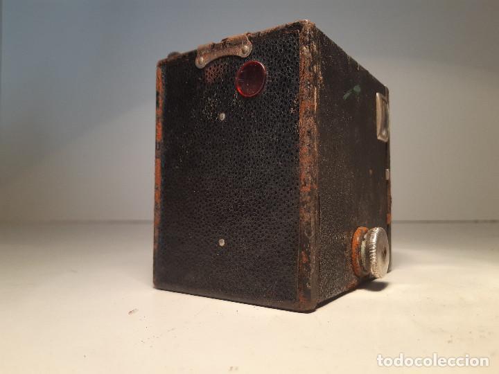 Cámara de fotos: Kodak Brownie Junior Super Six-20, años 1.935-1.940 - Foto 3 - 153306778