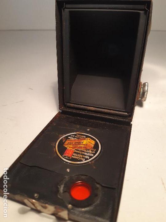Cámara de fotos: Kodak Brownie Junior Super Six-20, años 1.935-1.940 - Foto 4 - 153306778