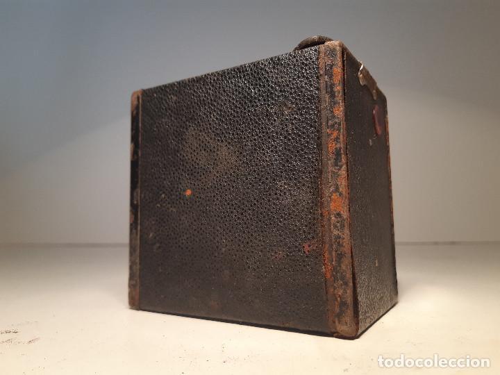 Cámara de fotos: Kodak Brownie Junior Super Six-20, años 1.935-1.940 - Foto 5 - 153306778