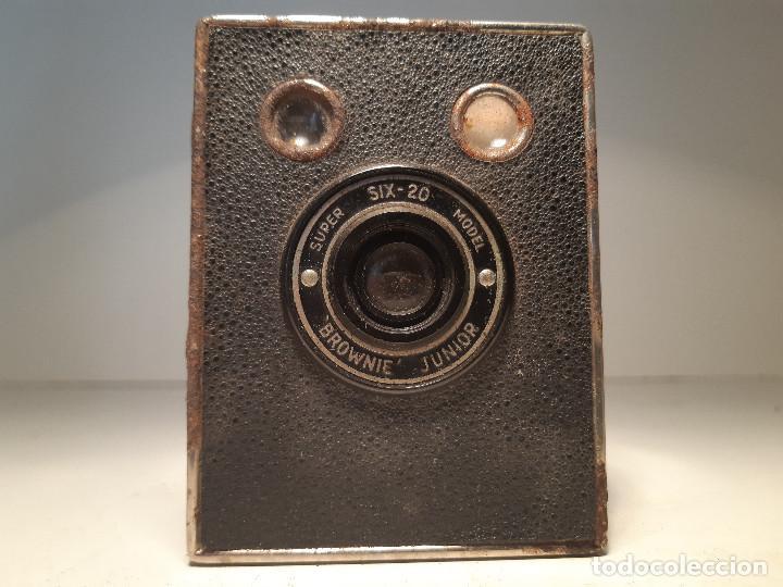 Cámara de fotos: Kodak Brownie Junior Super Six-20, años 1.935-1.940 - Foto 6 - 153306778