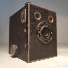 Cámara de fotos: CAMARA DE CAJA, KODAK SUPER SIX-20 BROWNIE JUNIOR, AÑOS 1.935-1.940. Lote 153307626