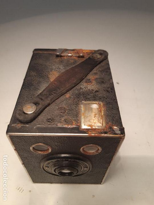 Cámara de fotos: antigua camara de Kodak , serie Super Six-20, modelo Brownie Junior, Reino Unido - Foto 7 - 153308298